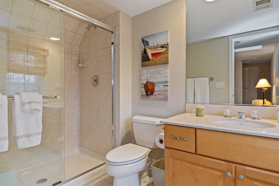 Real Estate Photography - 810 S Clay, Hinsdale, IL, 60521 - Bathroom on suite to 5th bedroom