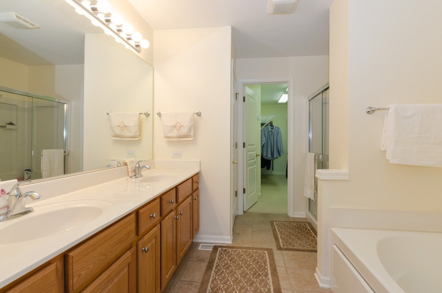 Real Estate Photography - 2749 Bayview, Algonquin, IL, 60102 - Master Bathroom