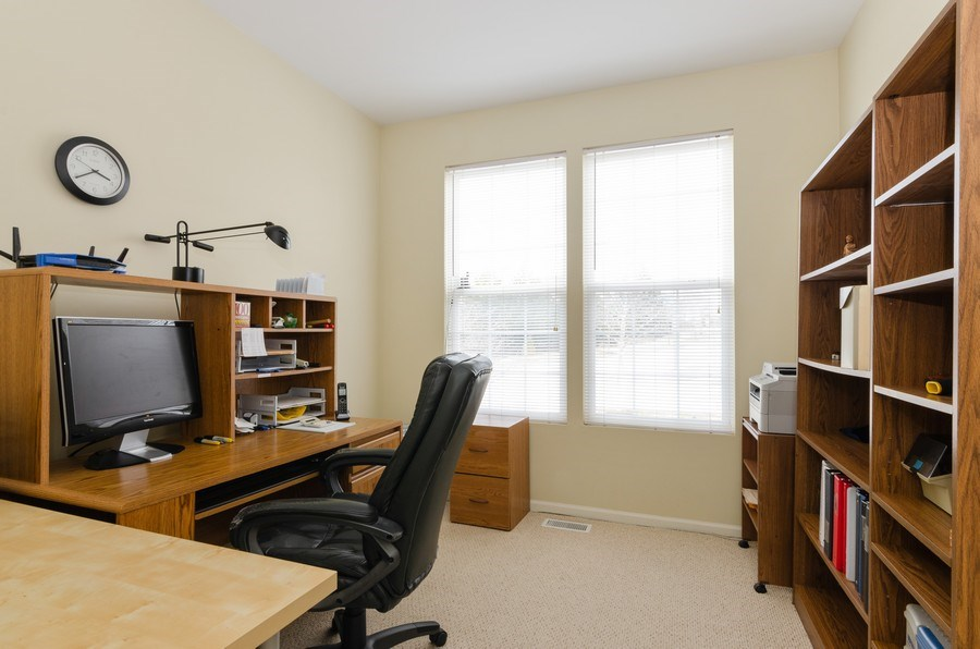 Real Estate Photography - 2749 Bayview, Algonquin, IL, 60102 - Office