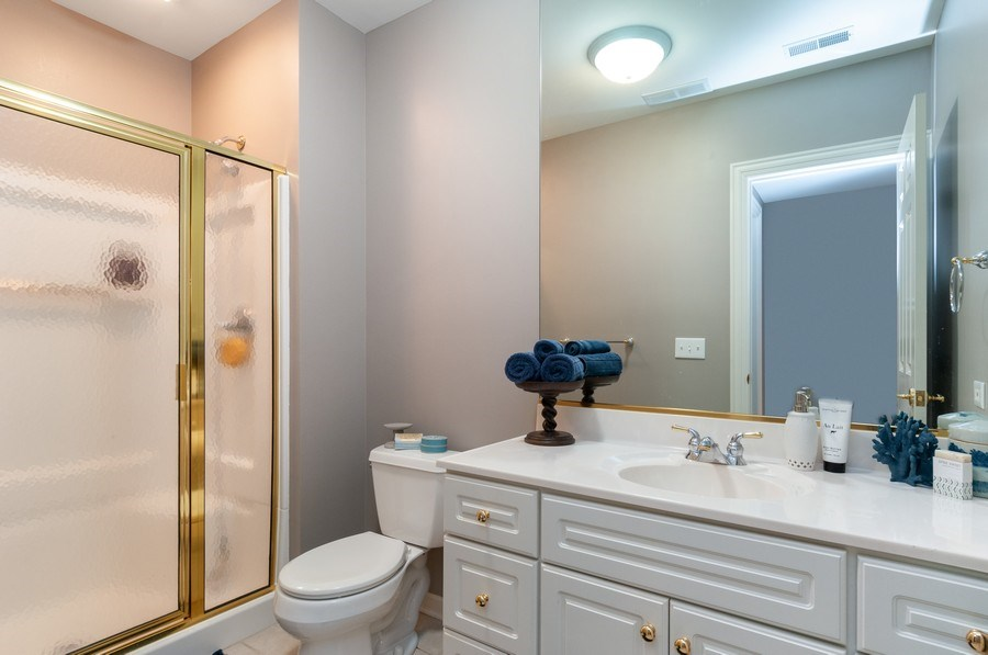 Real Estate Photography - 40w002 Lowell Place, St. Charles, IL, 60175 - 4th Bathroom