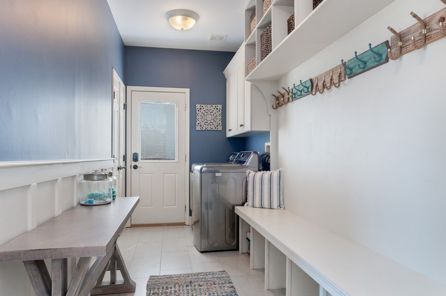 Real Estate Photography - 40w002 Lowell Place, St. Charles, IL, 60175 - Laundry Room