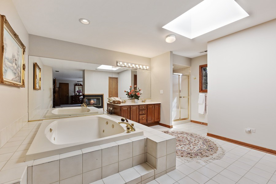 Real Estate Photography - 9 Sheffield Lane, Oak Brook, IL, 60523 - Master Bathroom