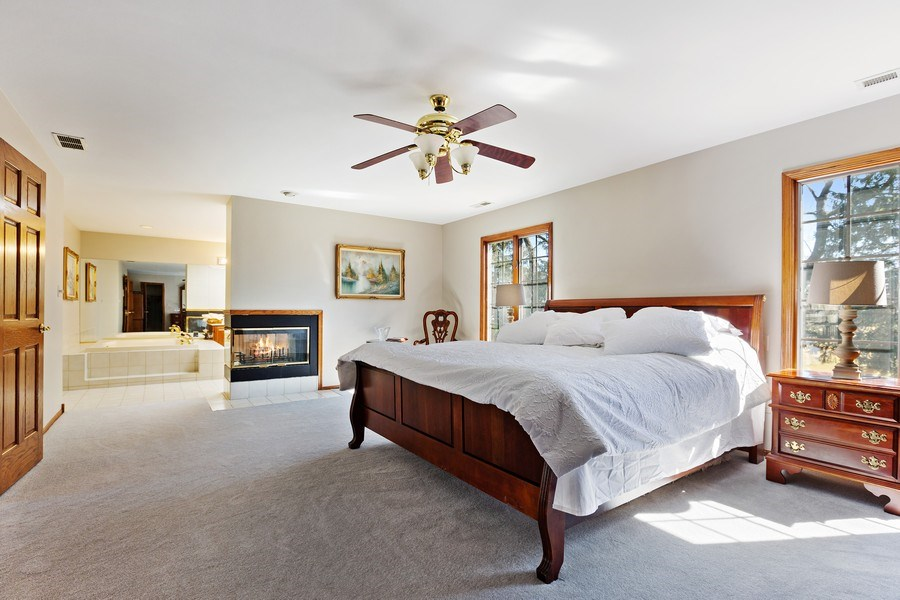 Real Estate Photography - 9 Sheffield Lane, Oak Brook, IL, 60523 - Master Bedroom