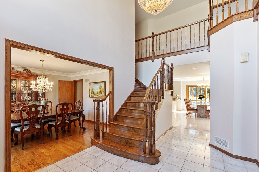Real Estate Photography - 9 Sheffield Lane, Oak Brook, IL, 60523 - Foyer