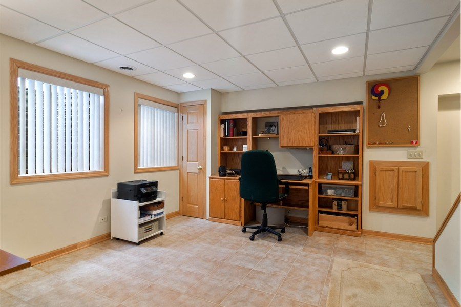 Real Estate Photography - 1257 Wellington Dr, Palatine, IL, 60067 - Lower Level