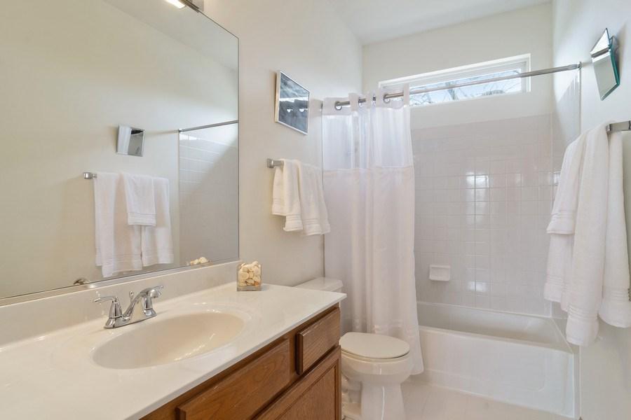 Real Estate Photography - 1257 Wellington Dr, Palatine, IL, 60067 - Bathroom