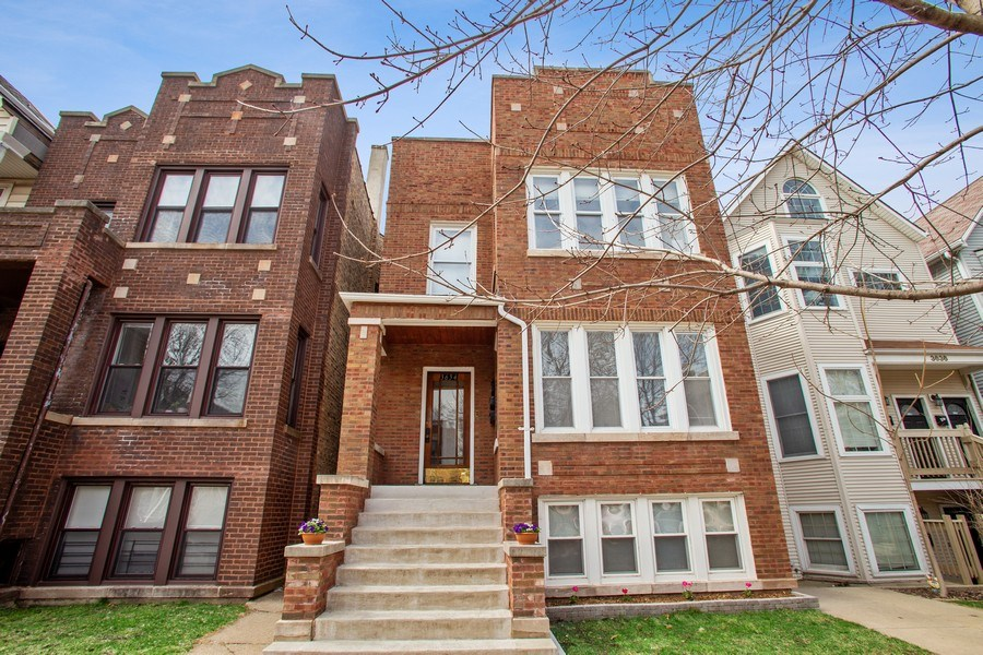 Real Estate Photography - 3634 N Hermitage, Chicago, IL, 60613 - Front View