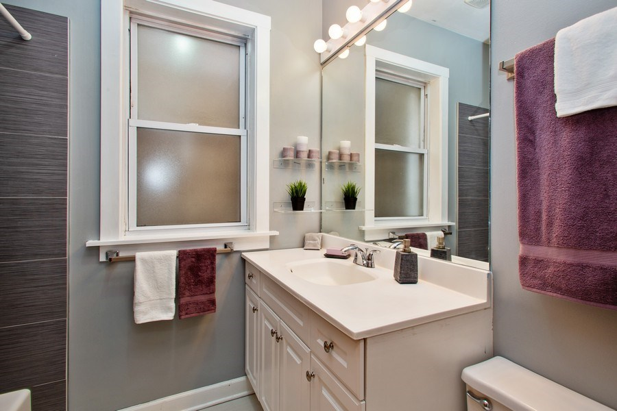 Real Estate Photography - 3634 N Hermitage, Chicago, IL, 60613 - 2nd Bathroom