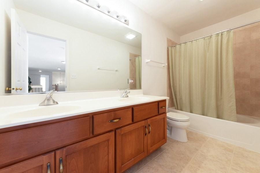 Real Estate Photography - 496 Haleys Hill Ct, Palatine, IL, 60074 - 3rd Bathroom