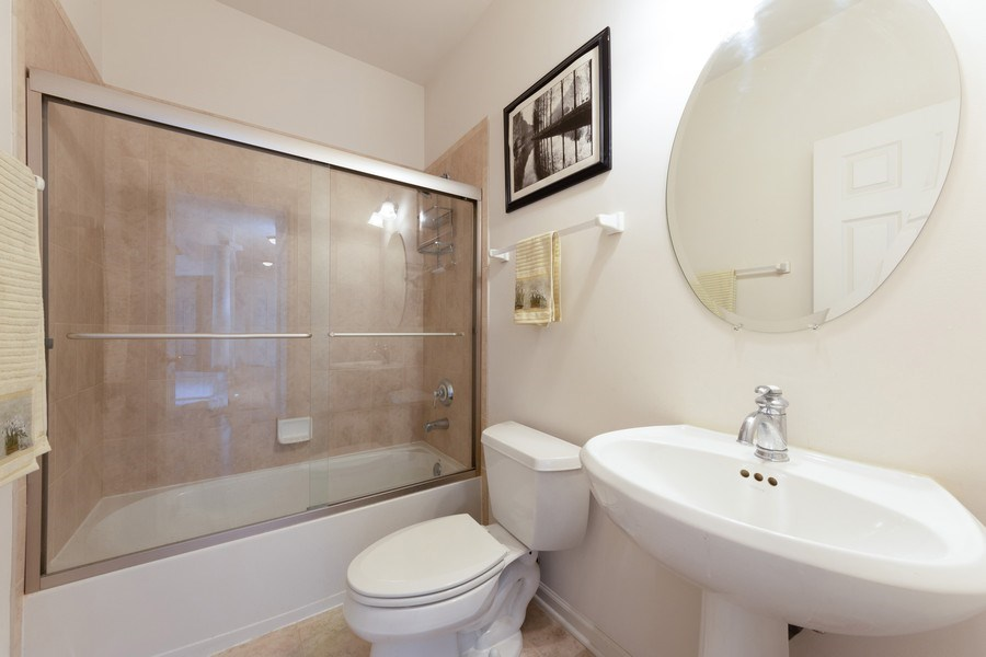 Real Estate Photography - 496 Haleys Hill Ct, Palatine, IL, 60074 - 4th Bathroom