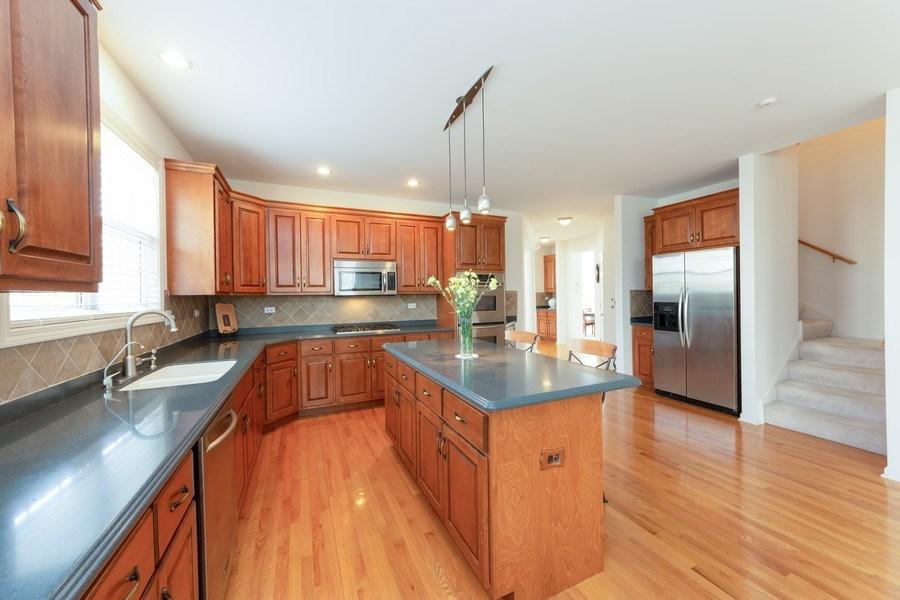 Real Estate Photography - 496 Haleys Hill Ct, Palatine, IL, 60074 - Kitchen