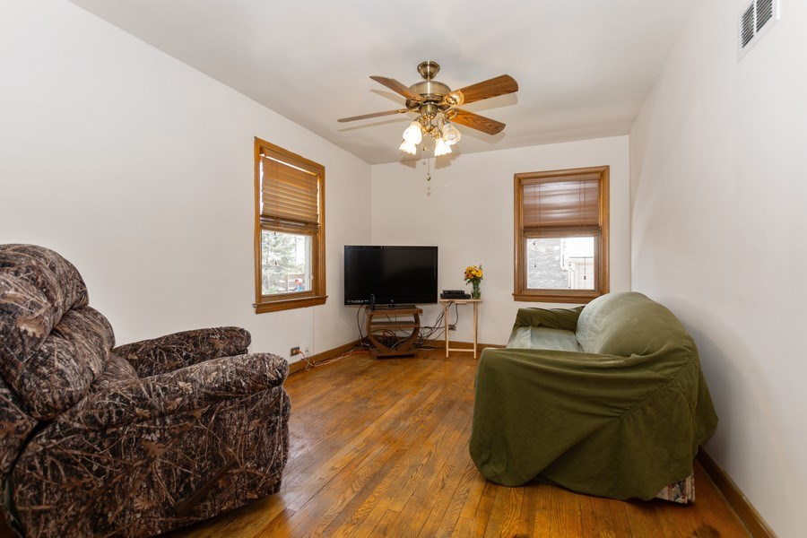 Real Estate Photography - 4507 DuBois Blvd, Brookfield, IL, 60513 - Family Room