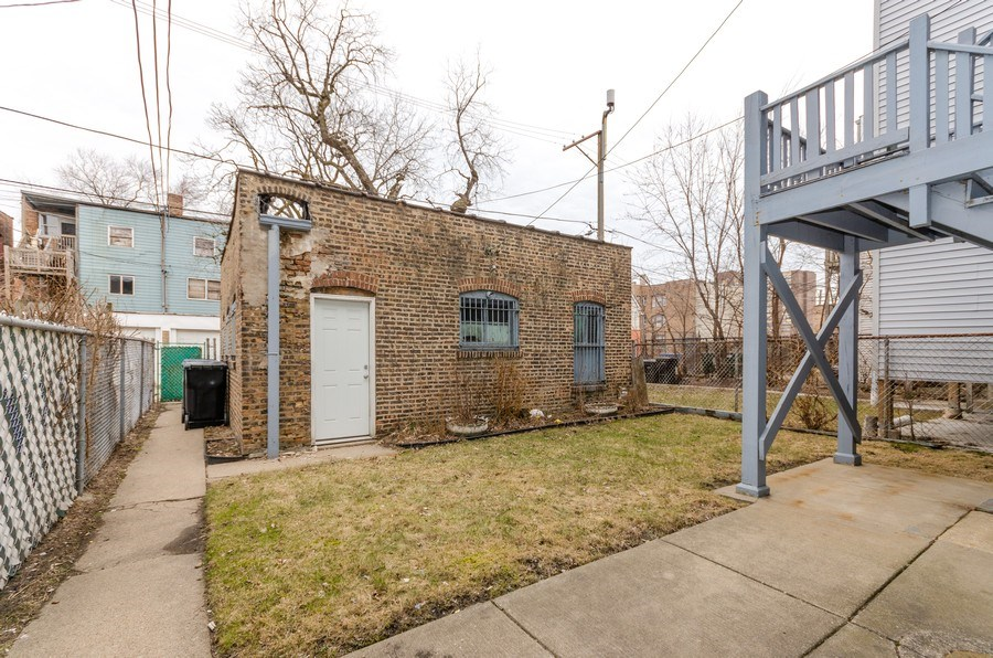Real Estate Photography - 1522 E 68th Street, Chicago, IL, 60619 - Back Yard