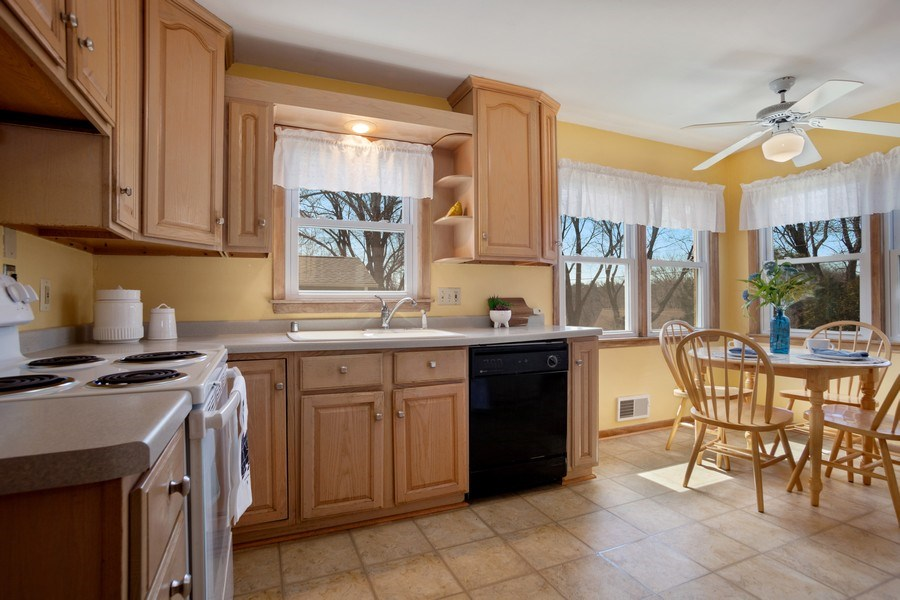 Real Estate Photography - 4077 N 111th St, Wauwatosa, WI, 53222 - Kitchen