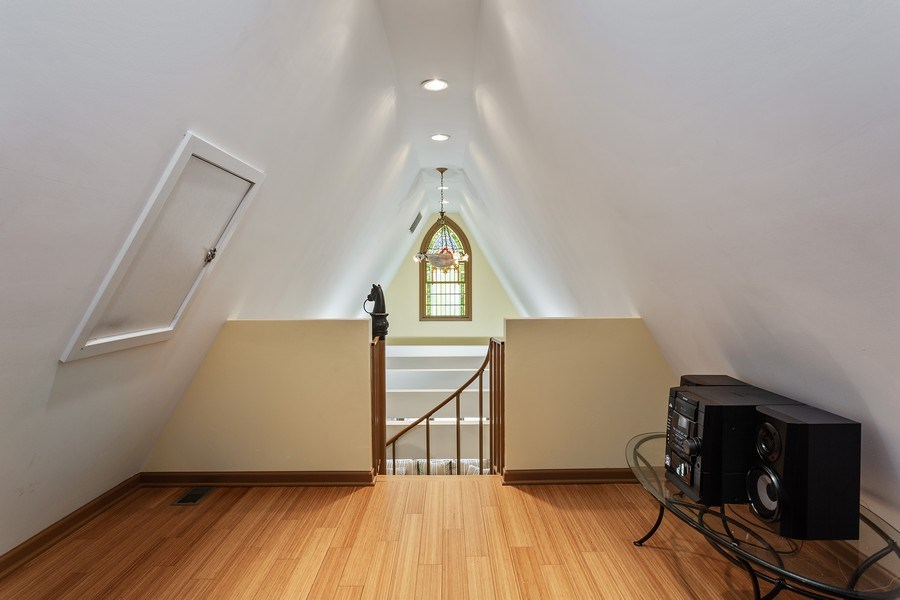 Real Estate Photography - 353 E 900 North, Cottage, Laporte, IN, 46350 - Loft
