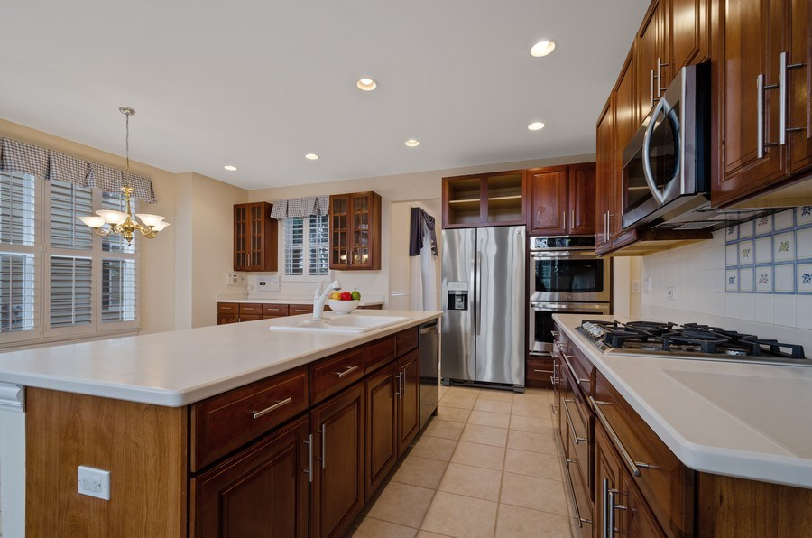 Real Estate Photography - 2315 Chestnut, Glenview, IL, 60026 - Kitchen