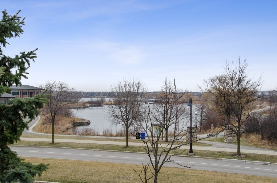 Real Estate Photography - 2315 Chestnut, Glenview, IL, 60026 - Lake View