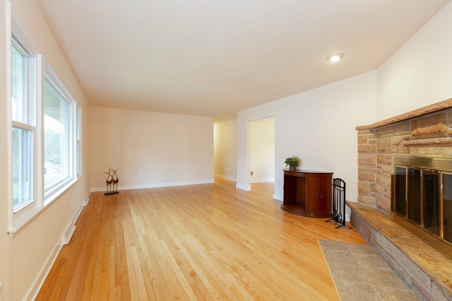 Real Estate Photography - 432 Lincoln St, Algonquin, IL, 60102 - Great Room