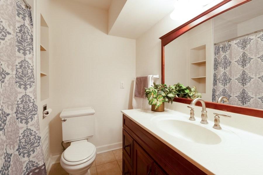 Real Estate Photography - 432 Lincoln St, Algonquin, IL, 60102 - Bathroom