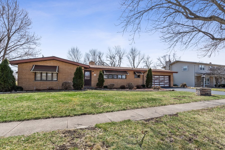 Real Estate Photography - 422 Miller Street, Beecher, IL, 60401 - Front View