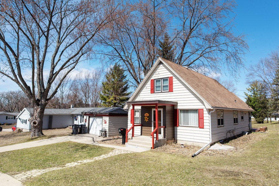 Real Estate Photography - 820 Minerva Street, Horicon, WI, 53032 - Front View