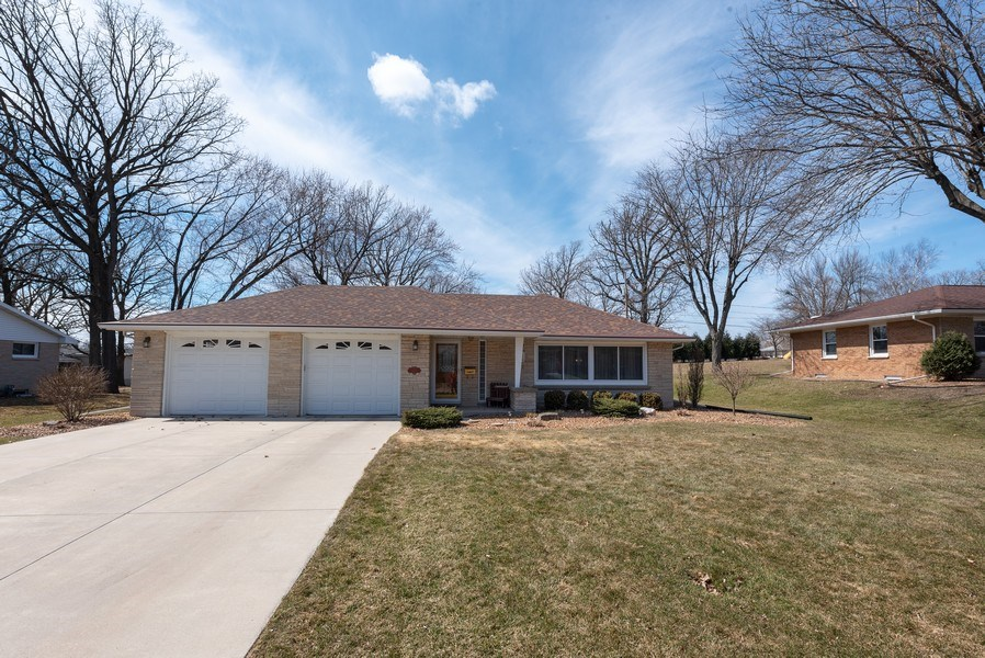 Real Estate Photography - 225 Wisconsin Street, Mayville, WI, 53050 - Front View