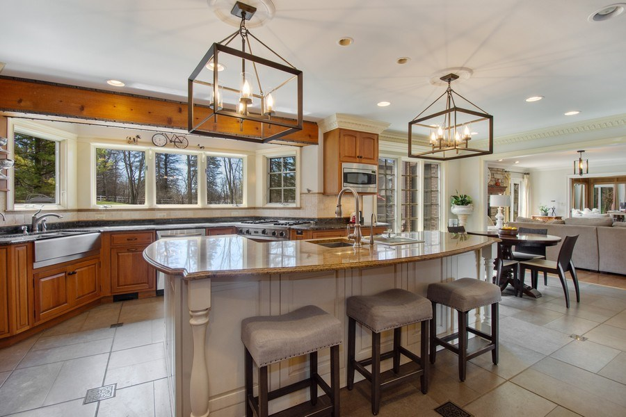 Real Estate Photography - 1 Bow Lane, Barrington Hills, IL, 60010 - Kitchen