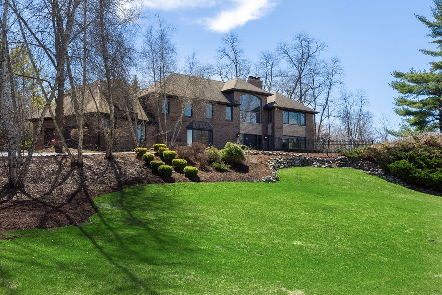 Real Estate Photography - 1 Bow Lane, Barrington Hills, IL, 60010 - Front View