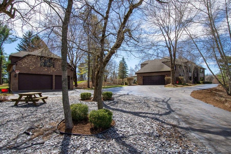 Real Estate Photography - 1 Bow Lane, Barrington Hills, IL, 60010 - Side View