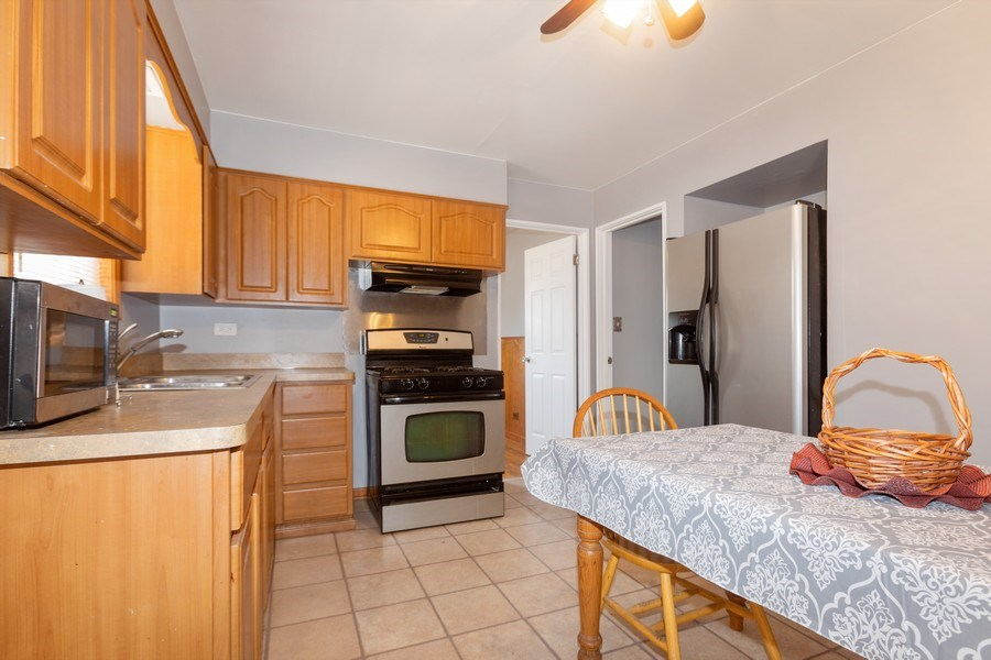 Real Estate Photography - 9645 S Wallace St, Chicago, IL, 60628 - Kitchen