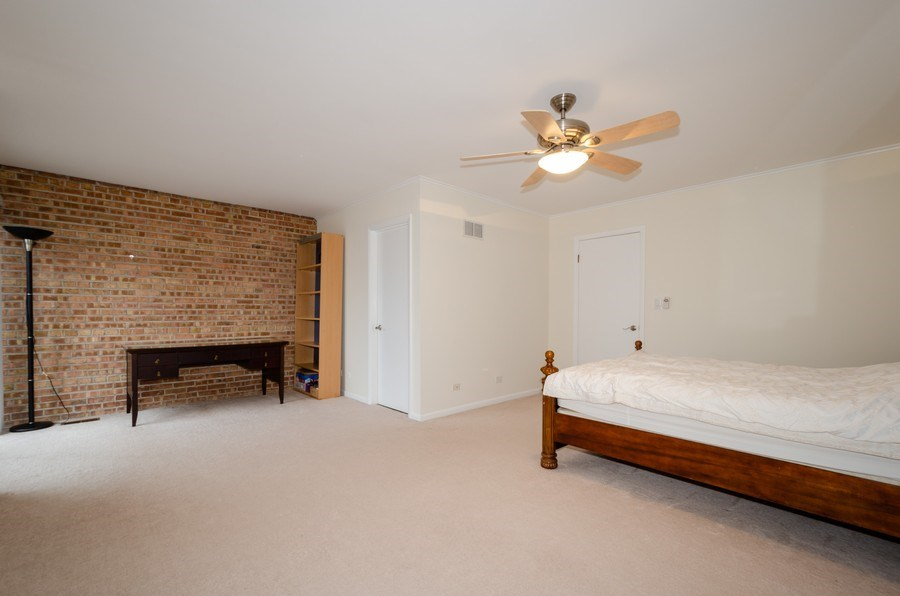 Real Estate Photography - 1100 Pine St. Unit D, Glenview, IL, 60025 - Master Bedroom