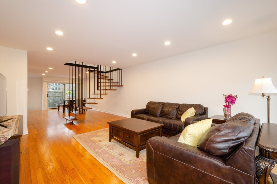 Real Estate Photography - 1100 Pine St. Unit D, Glenview, IL, 60025 - Living Room / Dining Room