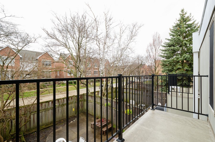 Real Estate Photography - 1100 Pine St. Unit D, Glenview, IL, 60025 - Balcony