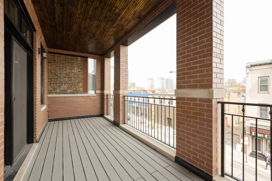 Real Estate Photography - 3410 N Halsted, Chicago, IL, 60657 - Balcony
