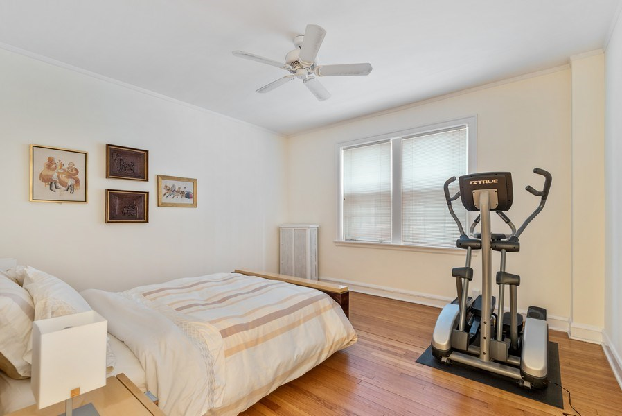 Real Estate Photography - 1426 Chicago Avenue, 2-South, Evanston, IL, 60201 - Bedroom 2
