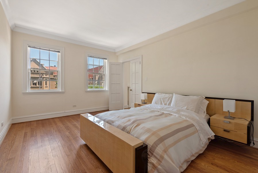 Real Estate Photography - 1426 Chicago Avenue, 2-South, Evanston, IL, 60201 - Bedroom 3 / Library w/ Attached Bath