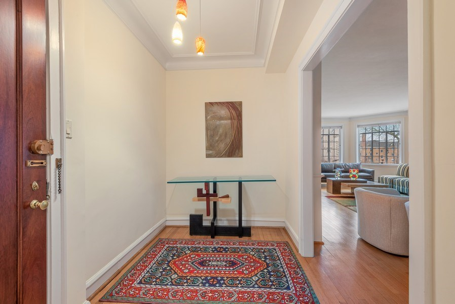 Real Estate Photography - 1426 Chicago Avenue, 2-South, Evanston, IL, 60201 - Foyer