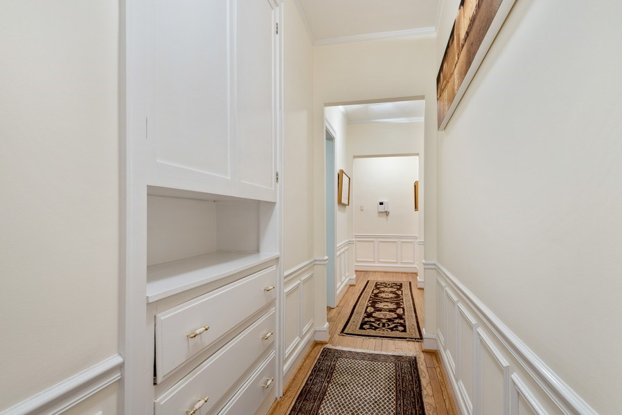 Real Estate Photography - 1426 Chicago Avenue, 2-South, Evanston, IL, 60201 - Hallway