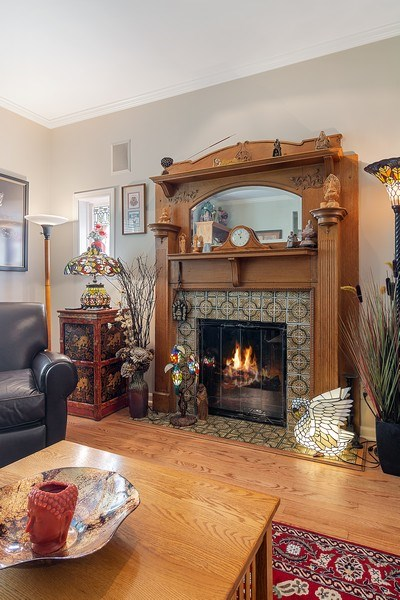 Real Estate Photography - 2736 N Seminary, F, Chicago, IL, 60614 - Living Room