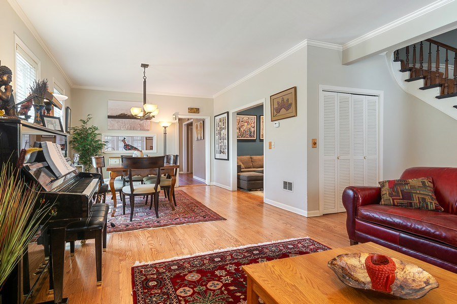 Real Estate Photography - 2736 N Seminary, F, Chicago, IL, 60614 - Living/Dining Room