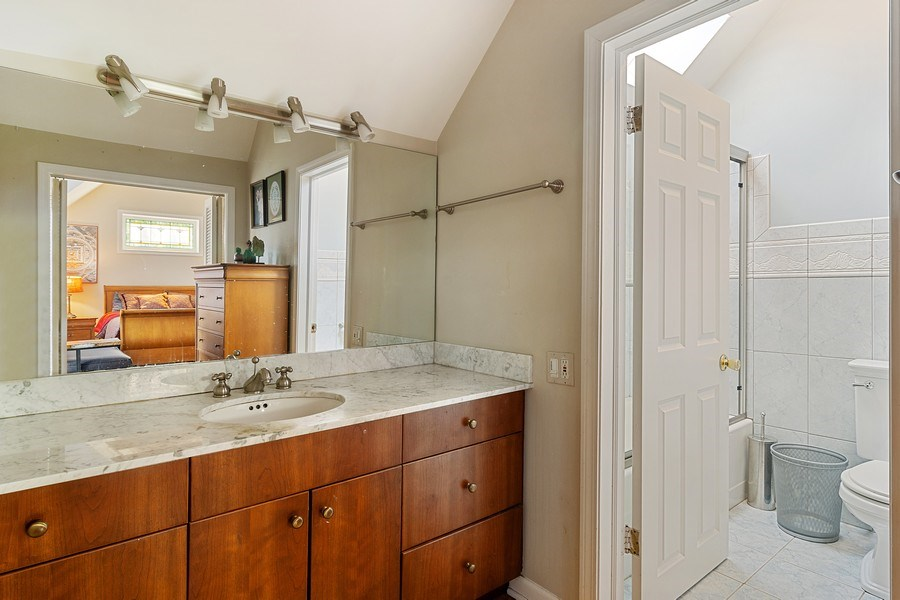 Real Estate Photography - 2736 N Seminary, F, Chicago, IL, 60614 - Master Bathroom