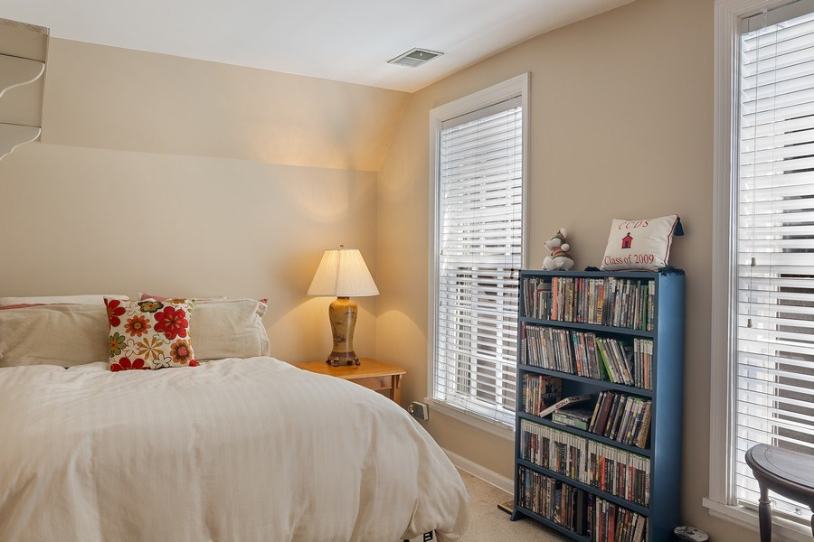 Real Estate Photography - 2736 N Seminary, F, Chicago, IL, 60614 - 2nd Bedroom