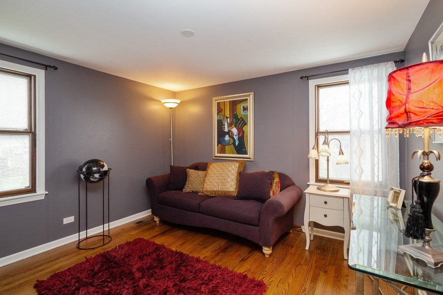 Real Estate Photography - 1415 S Kasper Ave, Arlington Heights, IL, 60005 - 2nd Bedroom