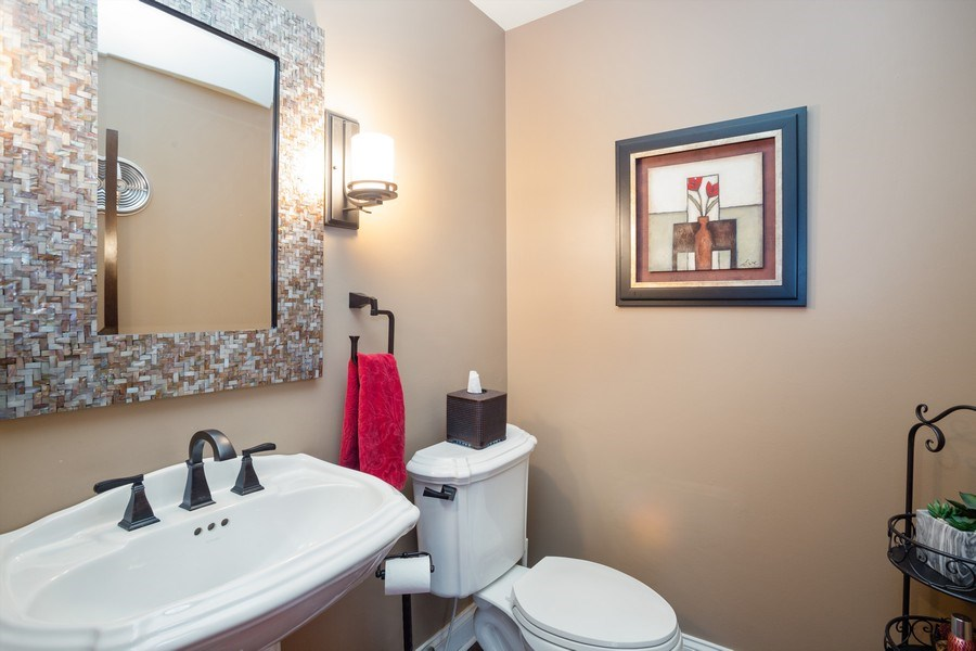 Real Estate Photography - 1415 S Kasper Ave, Arlington Heights, IL, 60005 - Powder Room