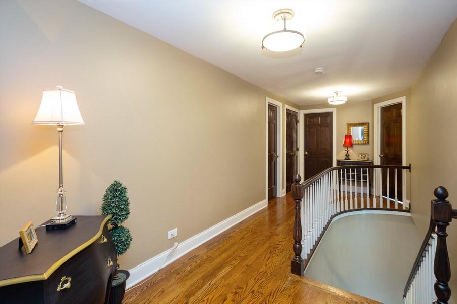 Real Estate Photography - 1415 S Kasper Ave, Arlington Heights, IL, 60005 - Hallway