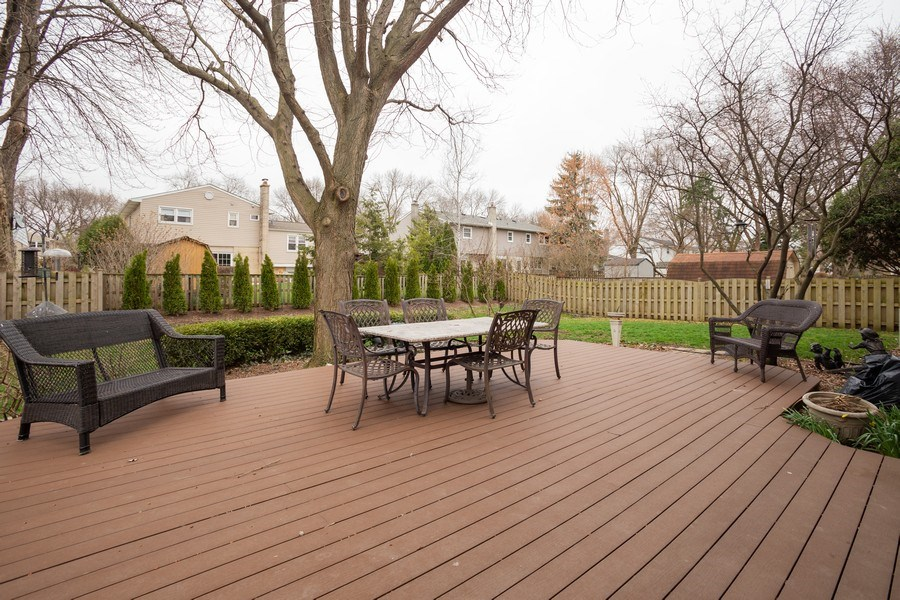 Real Estate Photography - 1415 S Kasper Ave, Arlington Heights, IL, 60005 - Deck
