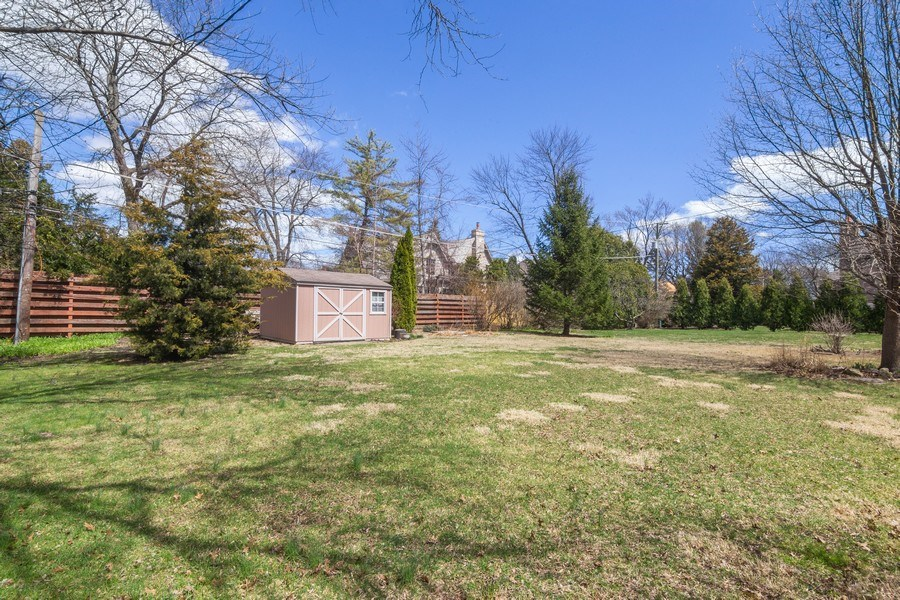 Real Estate Photography - 1000 Burton, Glenview, IL, 60025 - Back Yard