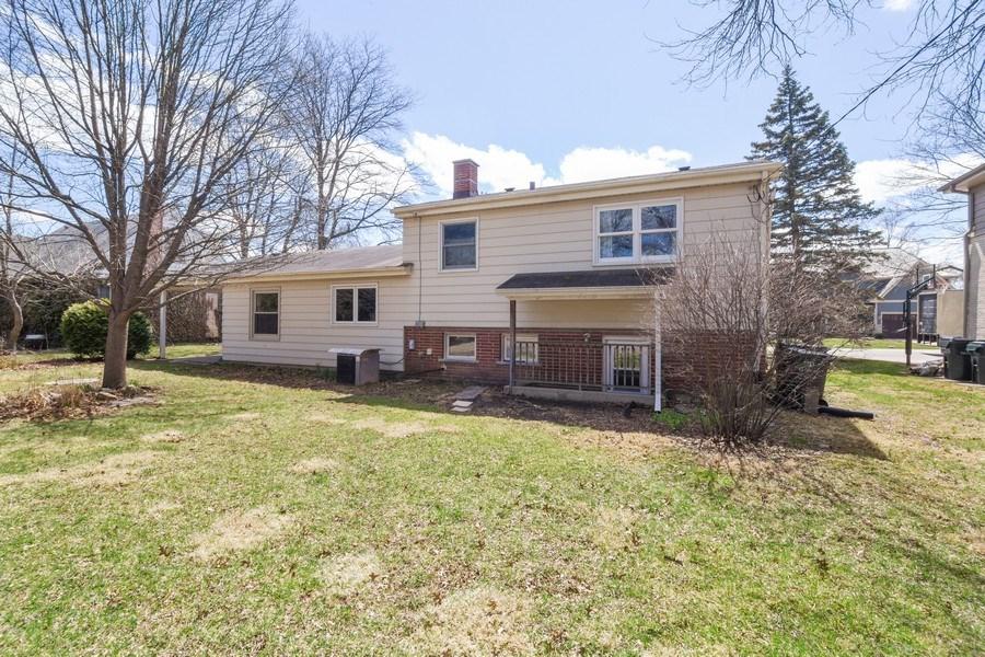 Real Estate Photography - 1000 Burton, Glenview, IL, 60025 - Rear View
