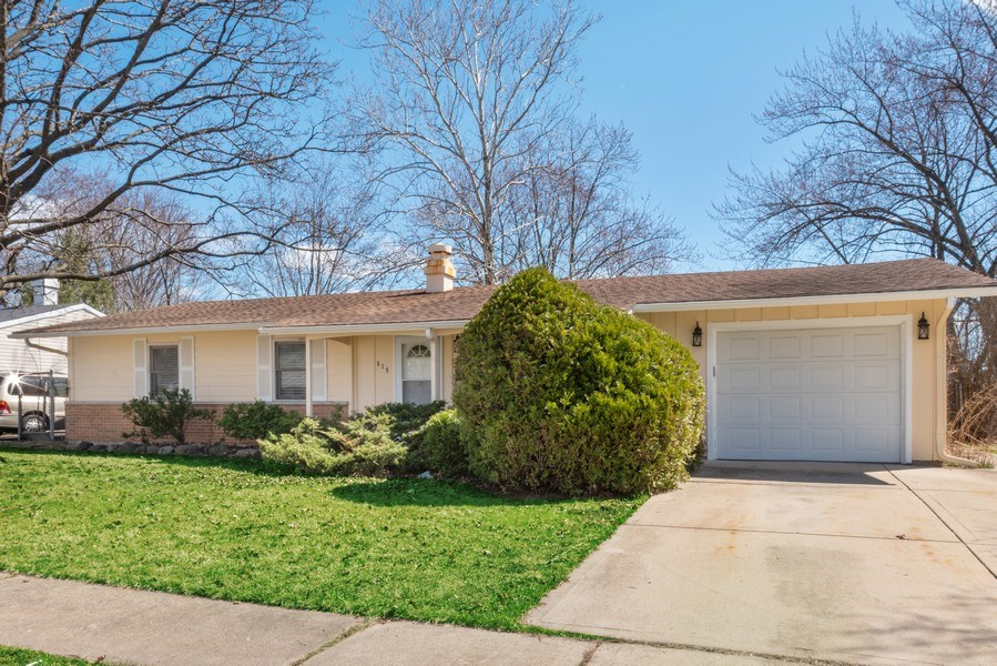 Real Estate Photography - 619 Lincolnwood Dr, Streamwood, IL, 60107 - Front View