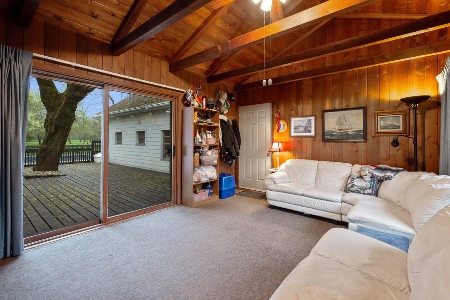 Real Estate Photography - 20 Royal Way, Barrington Hills, IL, 60010 - Family Room